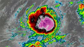 「沙德爾」颱風於今(22)下午2時增強為中度颱風。(圖/翻攝自台灣颱風論壇|天氣特急)