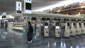 日本擬11月開放商務泡泡日本計劃開放72小時超短期商務人士入境,無須14天隔離,當中包括台灣、中國、韓國。圖為9月18日東京羽田國際機場。中央社記者楊明珠東京攝  109年10月22日