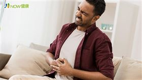 名家專用/NOW健康/很多人不曉得「胃食道逆流」也可能引起耳鳴,主要是因為胃酸或氣體跑到食道裡,容易引起喉嚨紅腫發炎,刺激耳咽管所致。(勿用)