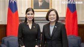 蔡英文接受尼加拉瓜共和國新任駐臺特命全權大使李蜜娜呈遞到任國書。(圖/總統府提供)