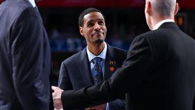 NBA/名門之後!火箭新總教練出爐 NBA,休士頓火箭,Stephen Silas,總教練,Paul Silas 翻攝自推特