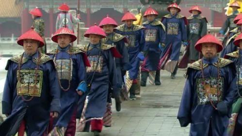 階級象徵代表物「朝珠」清朝獨有 周長愈長地位愈高