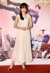 黃甄妮出席華劇 「廢財闖天關」首映。(記者邱榮吉/攝影)