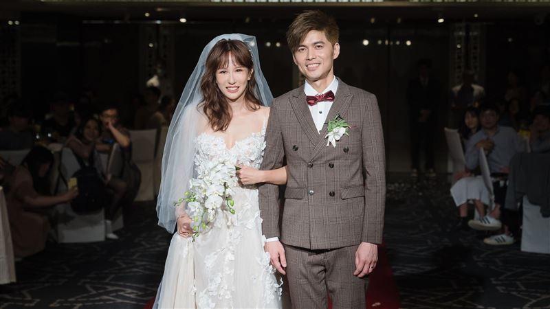 潘嘉麗婚禮驚喜超催淚 他傳做人秘訣