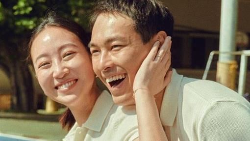 楊祐寧現西門町 緊護「8個月孕妻」
