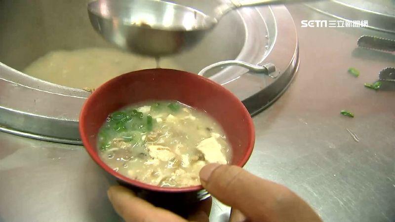 台式涼麵獨特吃法 味噌湯加蛋花貢丸
