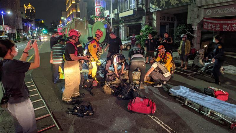 高雄2工人昏迷受困下水道 送醫雙亡