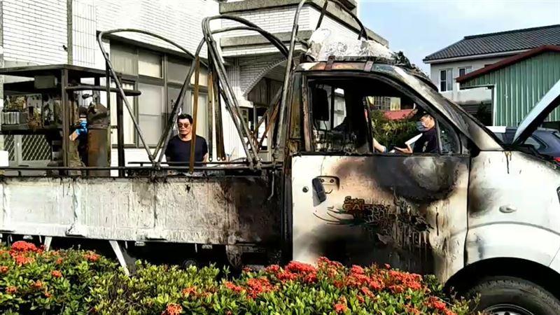 遶境遭遇火燒車 爸跪:我女兒在裡面