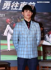 旅日棒球選手張奕返台記者會。(記者邱榮吉/攝影)