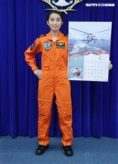 海軍反潛航空大隊首位定翼女飛官許秀青上尉。(記者邱榮吉/攝影)