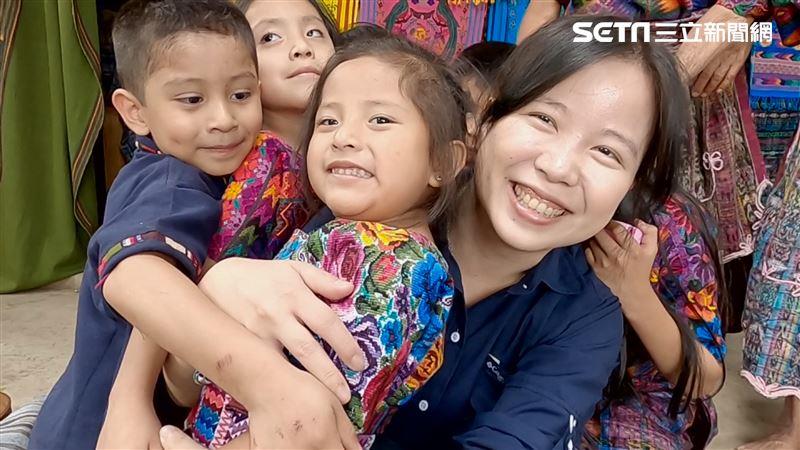 世界微光/台南女孩勇闖瓜地馬拉!助偏鄉讓馬雅織布更迷人