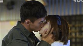 王可元不得了 25秒激吻女星片全曝