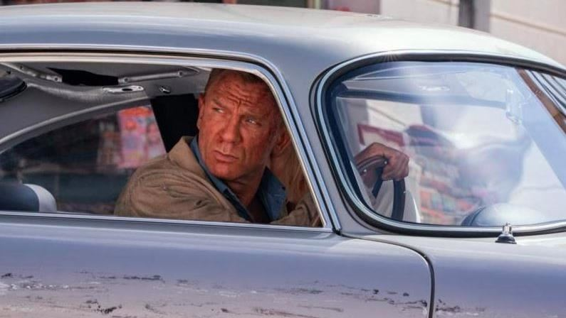 業界爆卦 《007生死交戰》延半年
