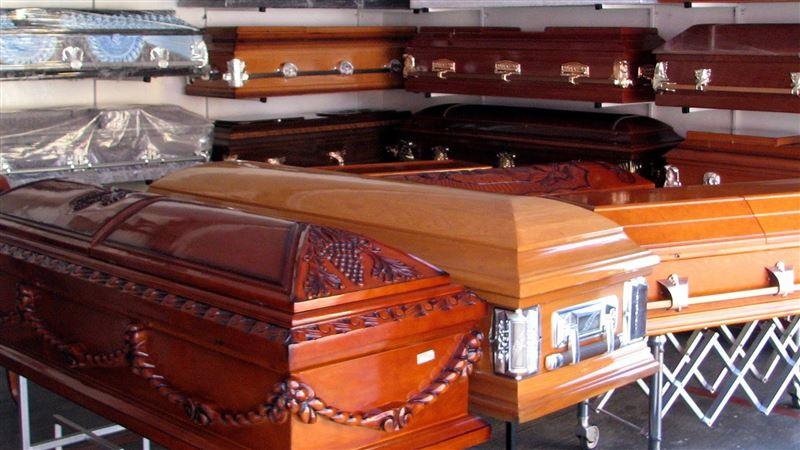 棺材堆3層高!「300屍體擠走廊」火葬場經理哭:燒不完