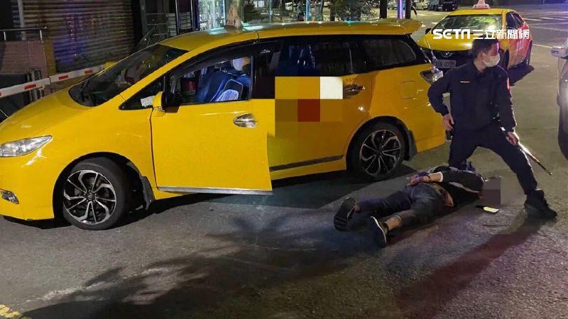 尿遁賴車資被活逮 醉男踹運將還搶車