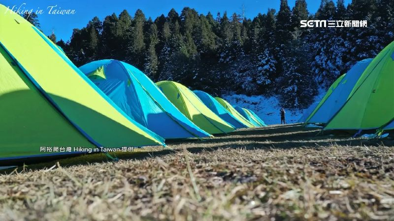 17頂帳篷占湖畔 山友批據地為王