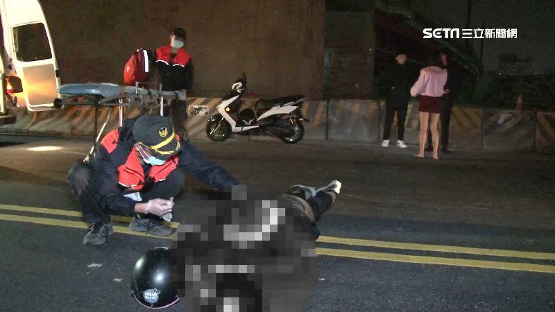 騎車遇坑洞慘重摔 男滿嘴鮮血牙斷裂