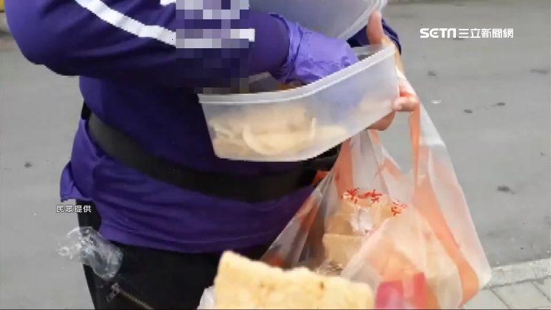 疫情升溫!東港華僑市場照試吃遊客憂