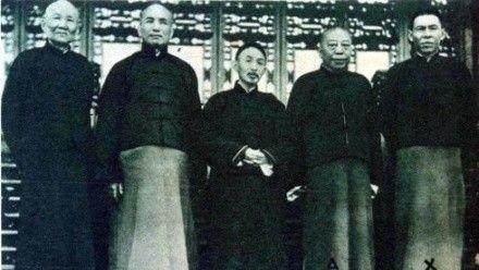 「上海皇帝」杜月笙巔峰時期有多少財產?看他的車牌就知道