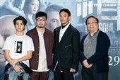 林暉閔、導演程偉豪、張震、監製唐在揚出席緝魂首映會。(圖/記者楊澍攝影)