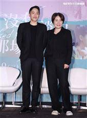 「我沒有談的那場戀愛」導演許智彥、徐譽庭。(記者邱榮吉/攝影)