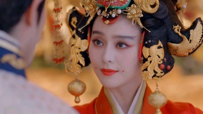 嬪妃嘴角2紅點功用超害羞:方便皇帝