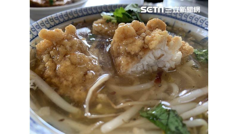美食揭密/好吃到當機!特斯拉到不了的「開元路土魠魚羹」