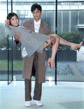 孫其君、梁舒涵出席「廢財闖天關2」廢財變身記者會。(記者邱榮吉/攝影)