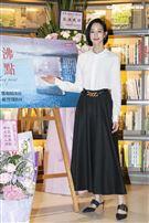 張鈞甯出席母親鄭如晴的新書分享會。(圖/記者楊澍攝影)