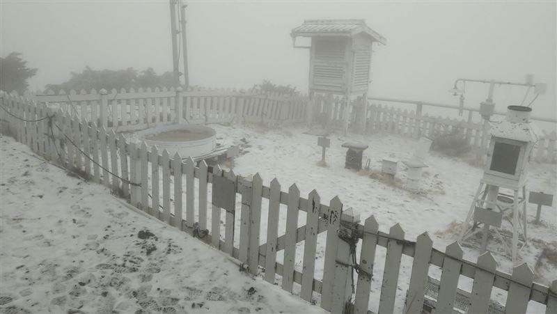 玉山下「3月雪」!一片銀白美景曝光