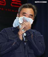 陳昇證實罹患口腔癌,在西門河岸留言舉行春酒演唱會,他也證實這是原發性口腔癌初期,對35年愛妻愧疚 喊話幫我灑在海裡。(記者邱榮吉/攝影)