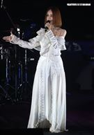 久未在台露面的高勝美歌聲悅耳動聽讓歌迷聽得沈醉。(記者邱榮吉/攝影)