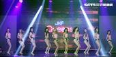 第二屆JKF百大女郎頒獎典禮由JKF女郎性感熱舞拉開序幕。(記者邱榮吉/攝影)