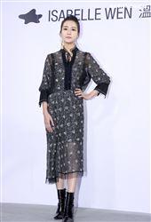 清新靈秀Nayeli南苗出席ISABELLE Wen溫慶珠時裝秀。(記者邱榮吉/攝影)