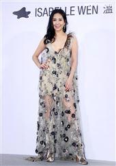 最美名模洪曉蕾出席ISABELLE Wen溫慶珠時裝秀。(記者邱榮吉/攝影)