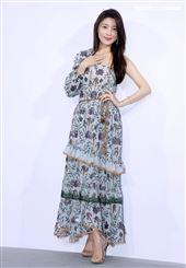 零修圖美女張子蕾出席ISABELLE Wen溫慶珠時裝秀。(記者邱榮吉/攝影)