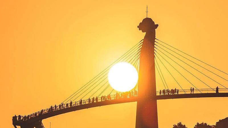 高雄「崗山之眼」壯麗懸日景象再現!