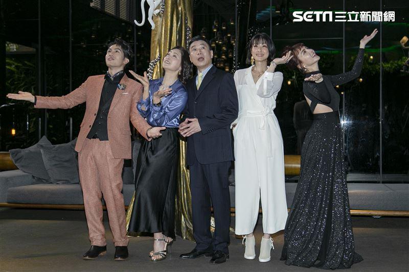 李天柱、劉瑞琪、賴雅妍、魏蔓、林孫煜豪出席《三隻小豬的逆襲》豪門朱家卡司發布會。(圖/記者楊澍攝影)