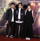 導演殷振豪、間製程偉豪、金百倫出席「當男人戀愛時」電影首映會。(記者邱榮吉/攝影)