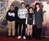 蔡振南、藍葦華、陽靚、白小櫻出席「當男人戀愛時」電影首映會。(記者邱榮吉/攝影)