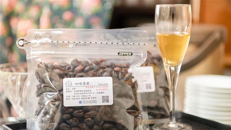 咖啡產業再添附加價值 廢棄果皮變身咖啡果茶 | 生活 | 三立新聞網