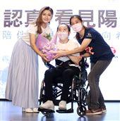 任家萱Selina為陽光基金會募款,助燒傷者重返人生舞台。(記者邱榮吉/攝影)