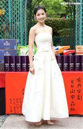 演員李千那出席「山中森林」開鏡儀式。(記者邱榮吉/攝影)