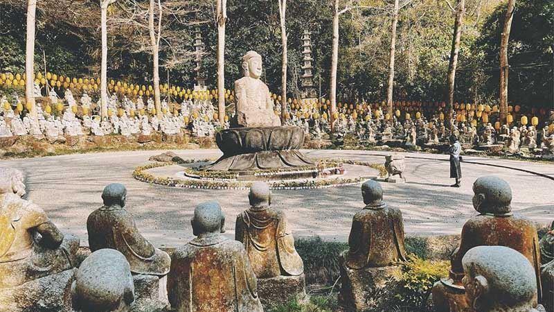 媲美京都古剎的絕景!南投「禪機山仙佛寺」五百羅漢超壯觀