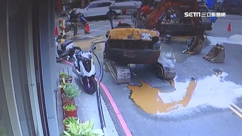 1個月4次爆管!居民怕浪費提桶接水 六都漏水率台中居冠