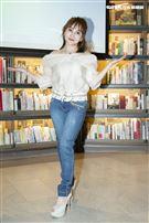 「財富女神」王宥忻日前推出親子教養書《抓狂父母拯救計劃》,舉辦新書簽名會,吸引近百位粉絲前來朝聖。(圖/記者楊澍攝影)