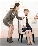 劉品言與媽媽「專屬母女的Our Time」 嘉賓體驗會。(記者邱榮吉/攝影)