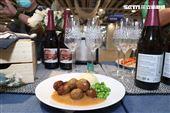 IKEA宜家家居内湖店限定餐點瑞典肉丸子。(記者邱榮吉/攝影)