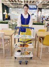 IKEA宜家家居内湖店限定餐點CP質超高美食。(記者邱榮吉/攝影)