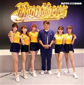 中信兄弟南港旗艦店2.0「B-SPACE」開幕。(記者邱榮吉/攝影)